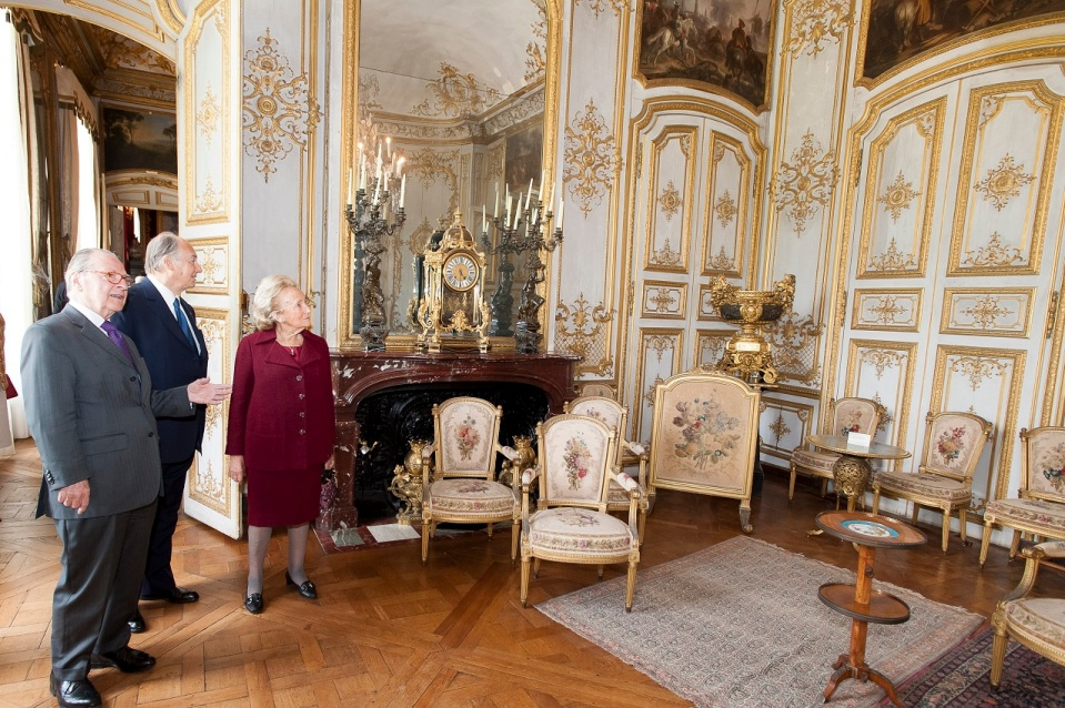 magnificent photos of chateau de chantilly and his highness the aga khan s visit to the jewel of. Black Bedroom Furniture Sets. Home Design Ideas
