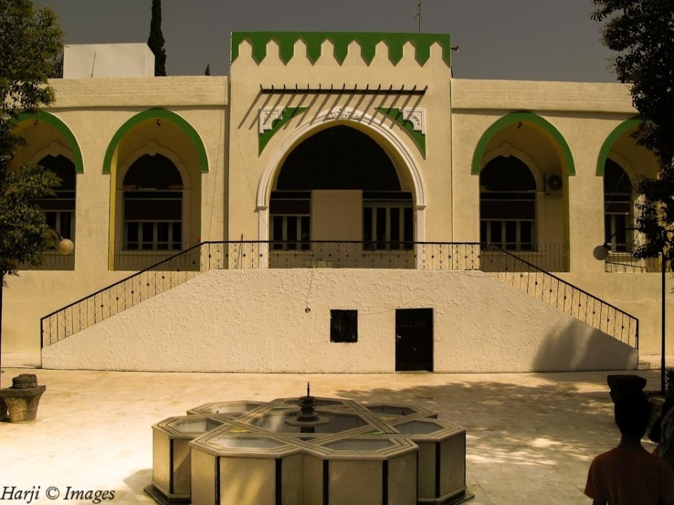 The main Ismaili mosque in Salamiyya
