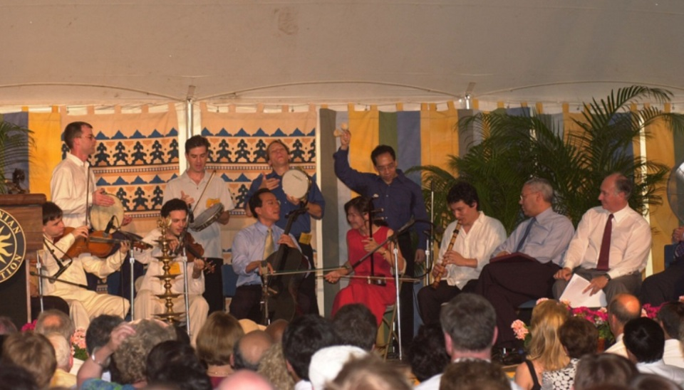 Aga Khan at Simitsonian Folklife Festival 2002 001