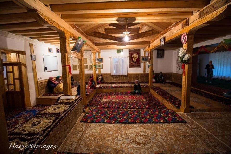 Muslim Harji Ismaili Prayer Houses_03_b6eb2c