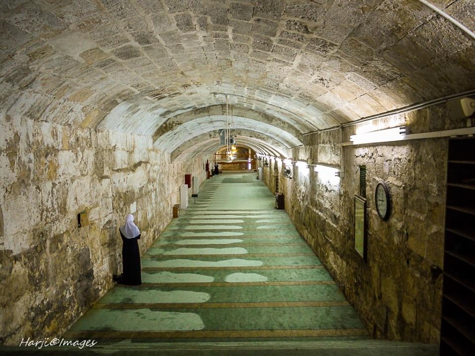 muslimharji_sacredspaces012_7d1eac