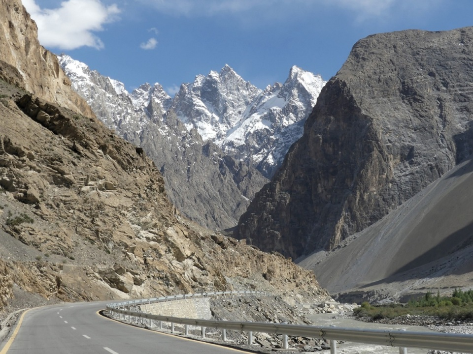 silk-roads_hunza_alikarim_1_08s