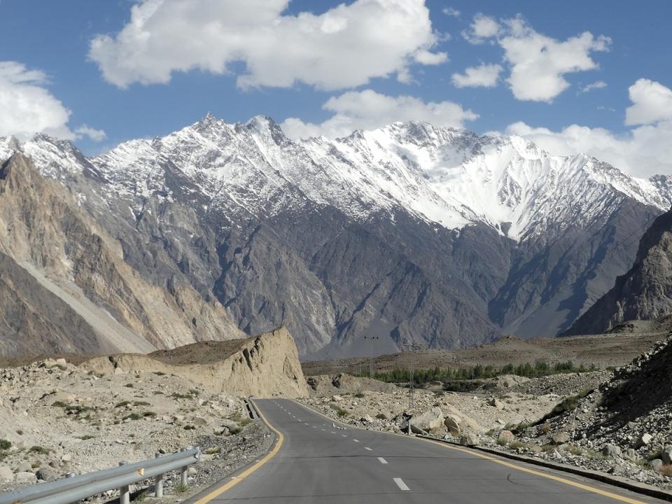 silk-roads_hunza_alikarim_1_passudropb07s