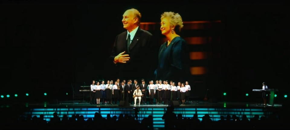 moscow-concert-aga-khan-80th-birthday-youth-performance-backdrop-aga-khan-adrienne-clarkson-2