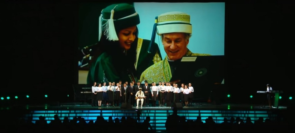 moscow-concert-aga-khan-80th-birthday-youth-performance-backdrop-aga-khan-university-regalia-2