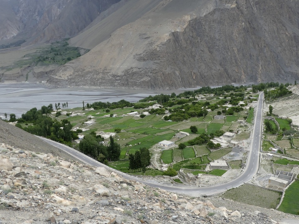 silk-roads_hunza_alikarim_2_03s