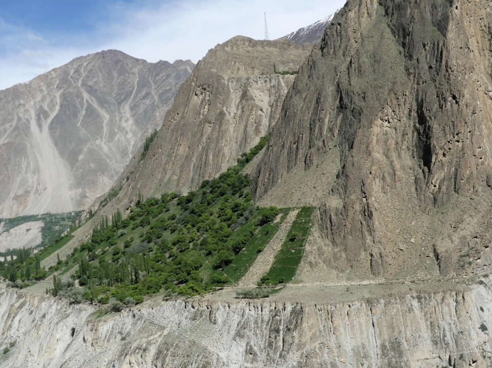 silk-roads_hunza_alikarim_2_14s