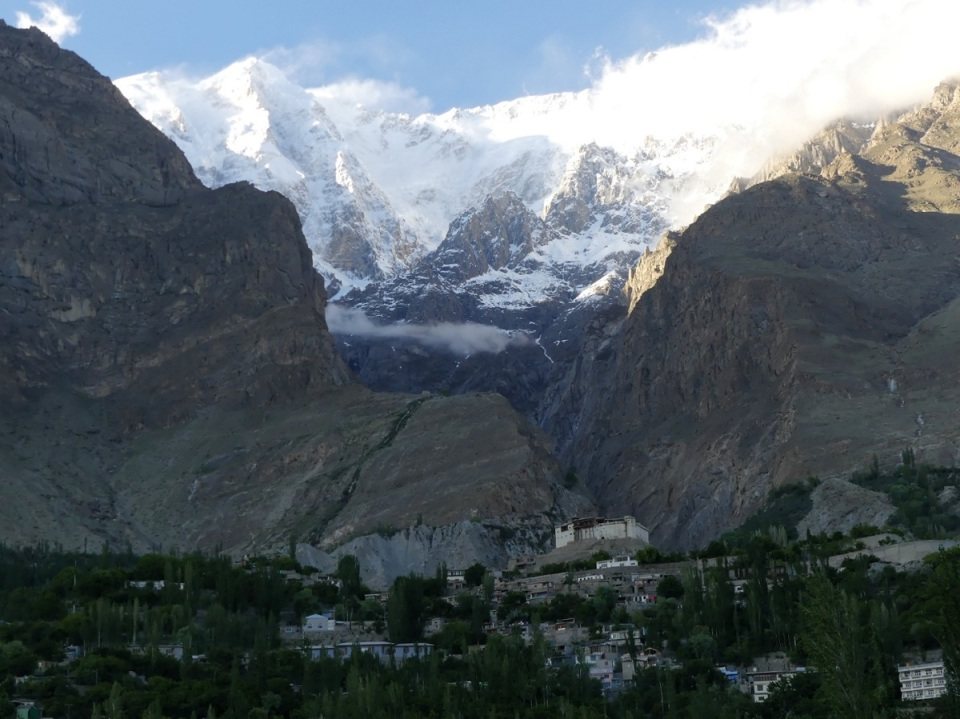 silk-roads_hunza_alikarim_2_18s