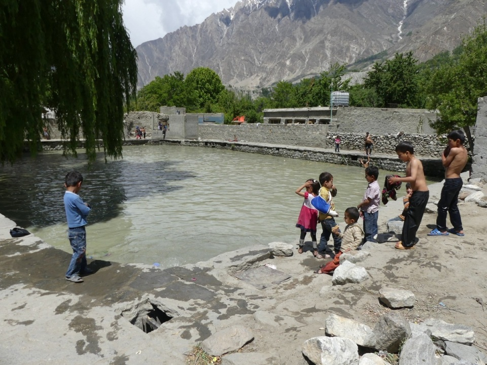 silk-roads_hunza_alikarim_2_27s