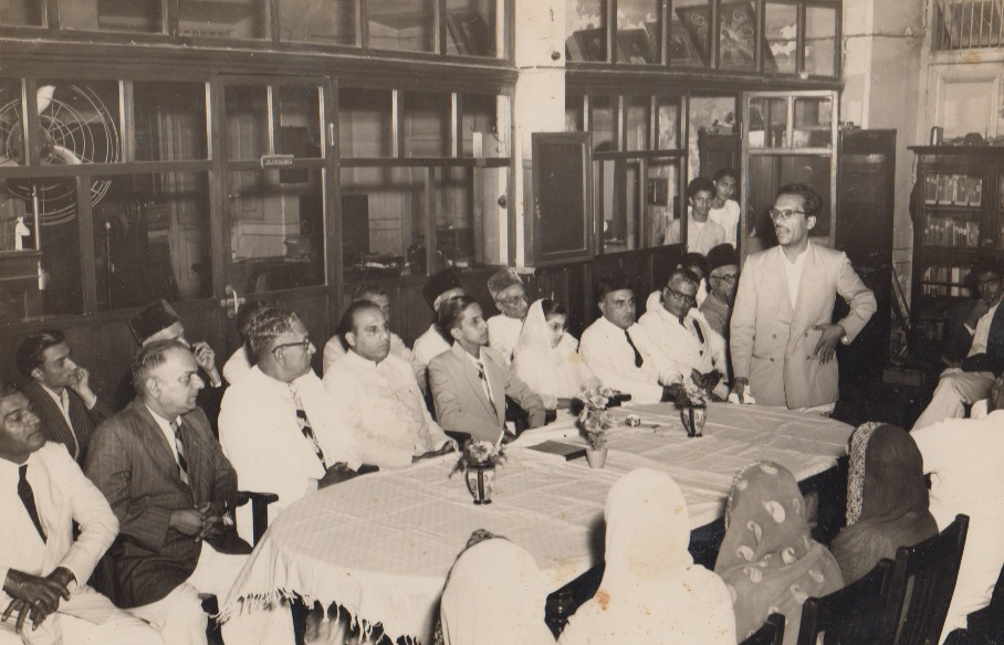 003 Ismaili Poet speaking at Alwaez and Alwaeza Merchants departure reception in Mumbai