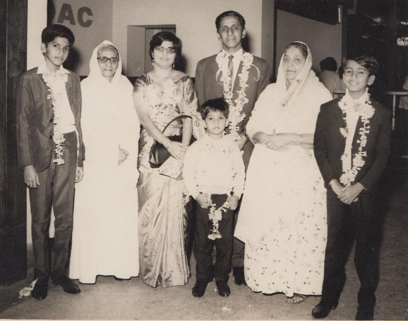 030 Alwaez Jehangir Merchant Family with dadima and nanima
