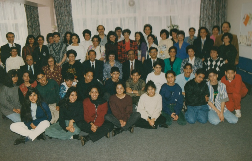 046 Alwaez and Alwaeza Merchant with senior students of BUI Central London July 1992
