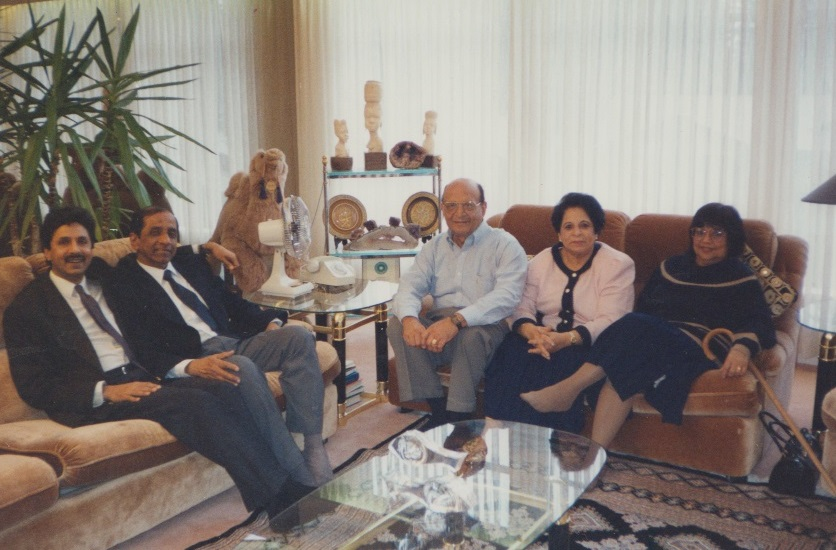 054 Alwaez and Alwaeza Jehangir, Karim Gulamali and and other Missionaries