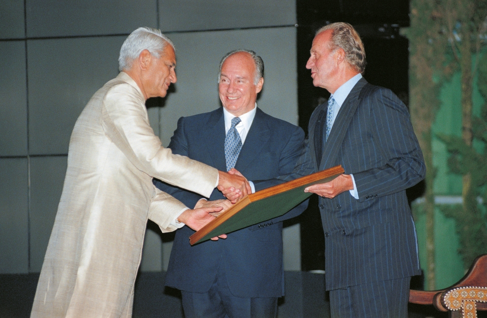 1998-10-SpainAKAA-Aga Khan and Juan Carlos_24258