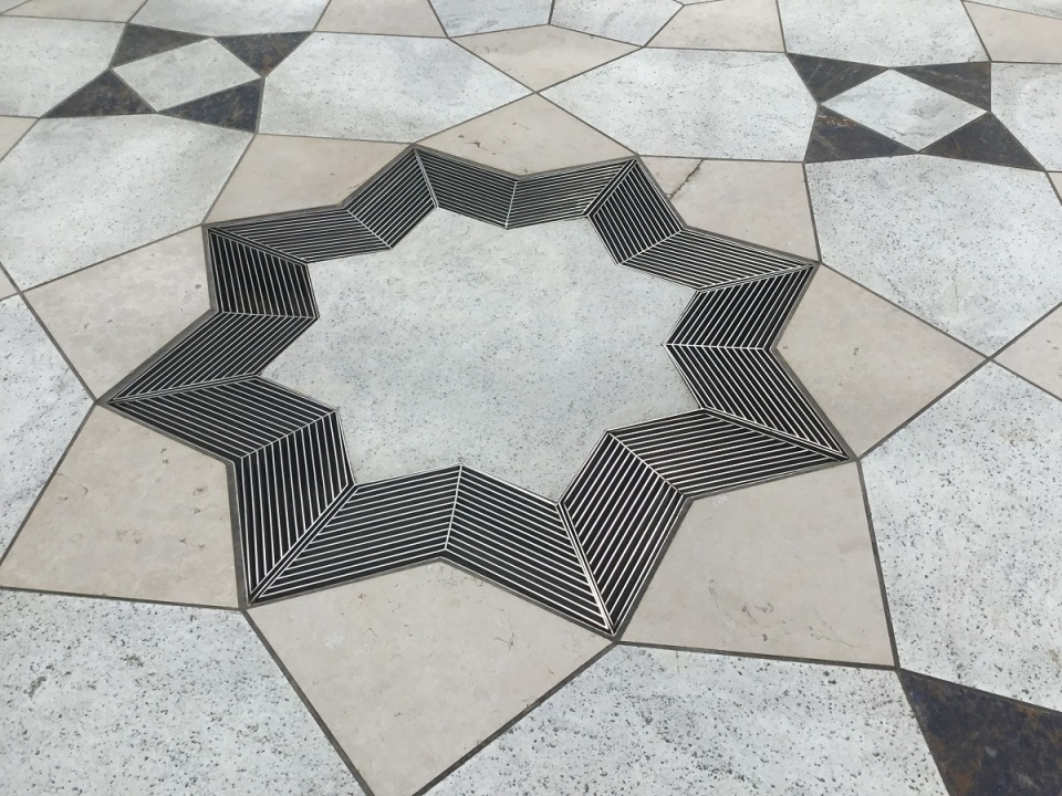IMG_0667s_Doors Open Aga Khan Museum 8 pointed Star in Courtyard
