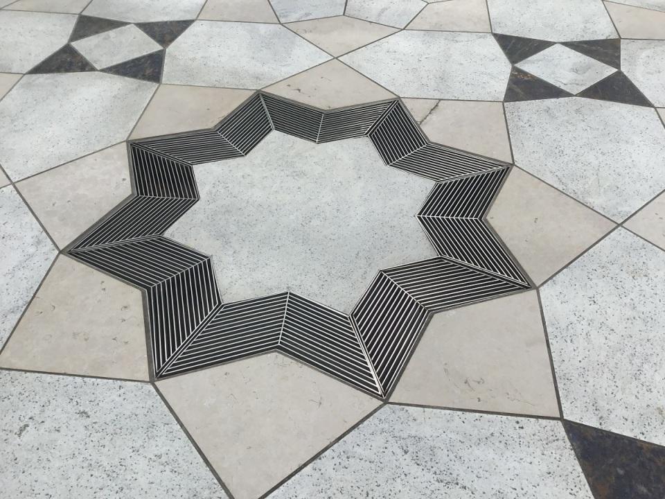 IMG_0667s_Doors Open Aga Khan Museum 8 pointed Star in Courtyard