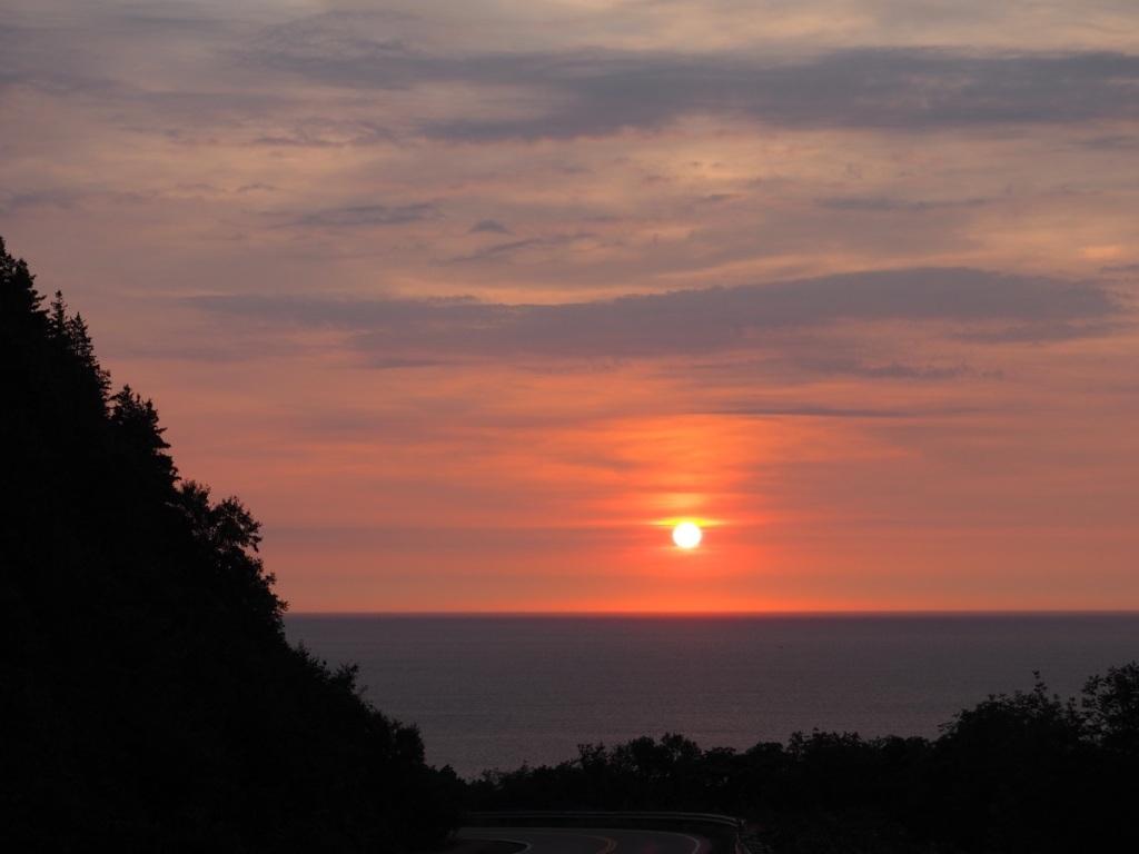Sunset at Cabot Trail, Nova Scotia. September 9, 2015. Photo: © Malik Merchant / Simergphotos. Camera: Olympus E-M10.