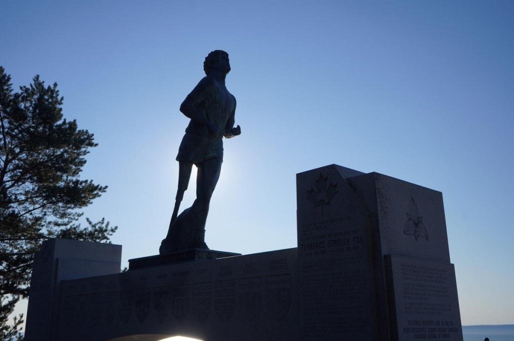 Terry Fox Memorial, Thunder Bay. Nurin Merchant, Simergphotos.com